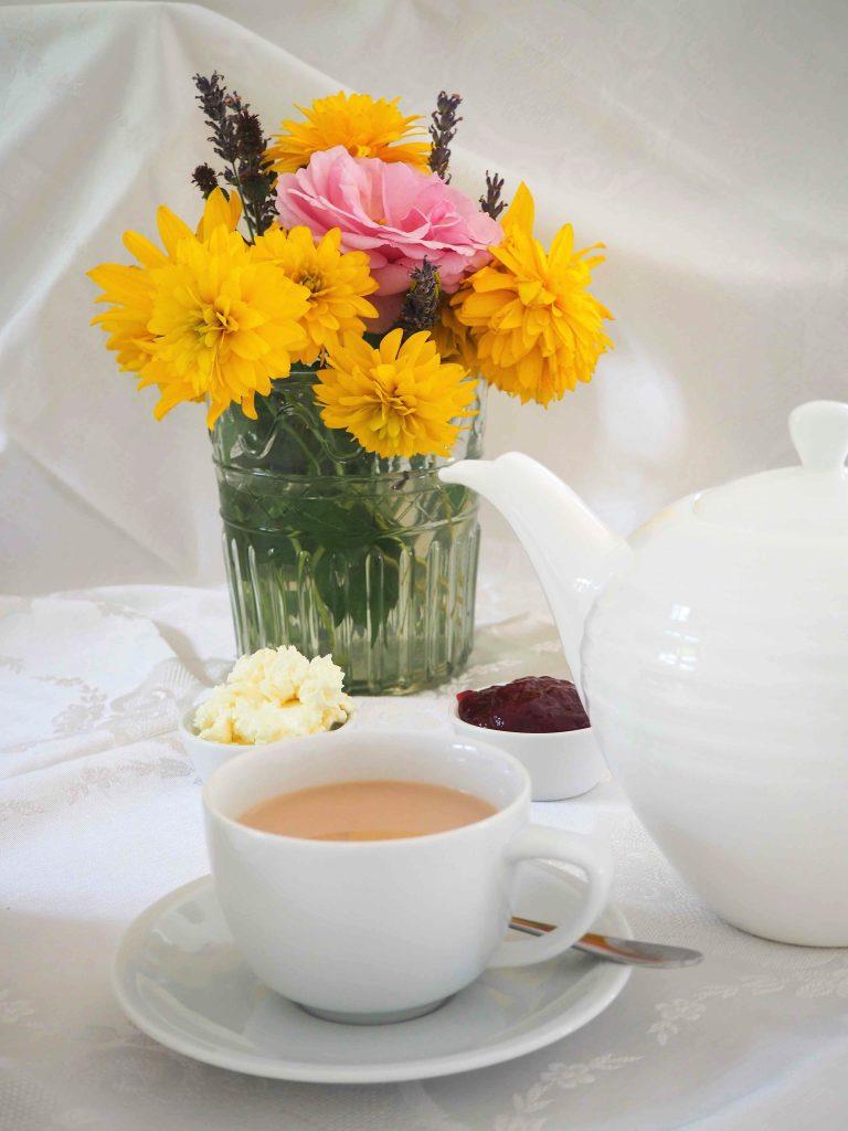 Tee und Scones