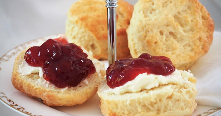 Scones und Clotted Cream: Dieses geniale Rezept zum Afternoon Tea gelingt jedem!