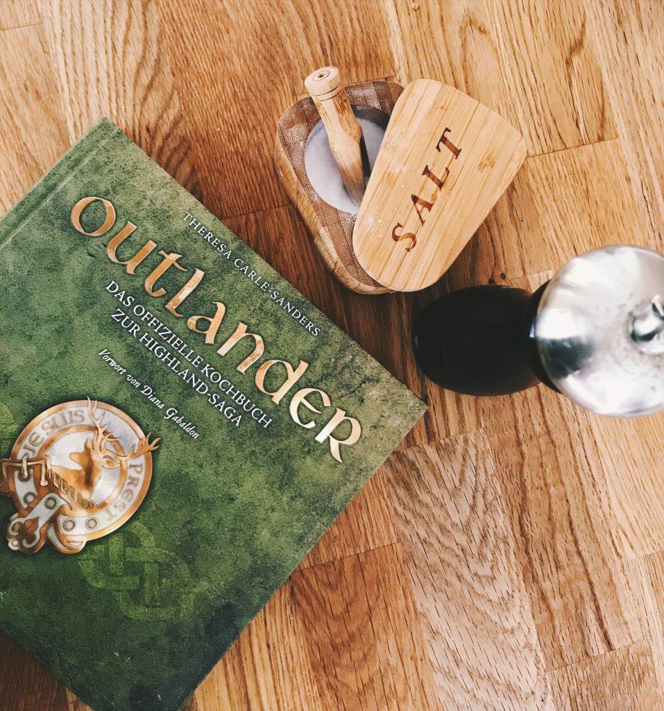 Kochbuch zur Outlander Saga aus dem Zauberfeder Verlag