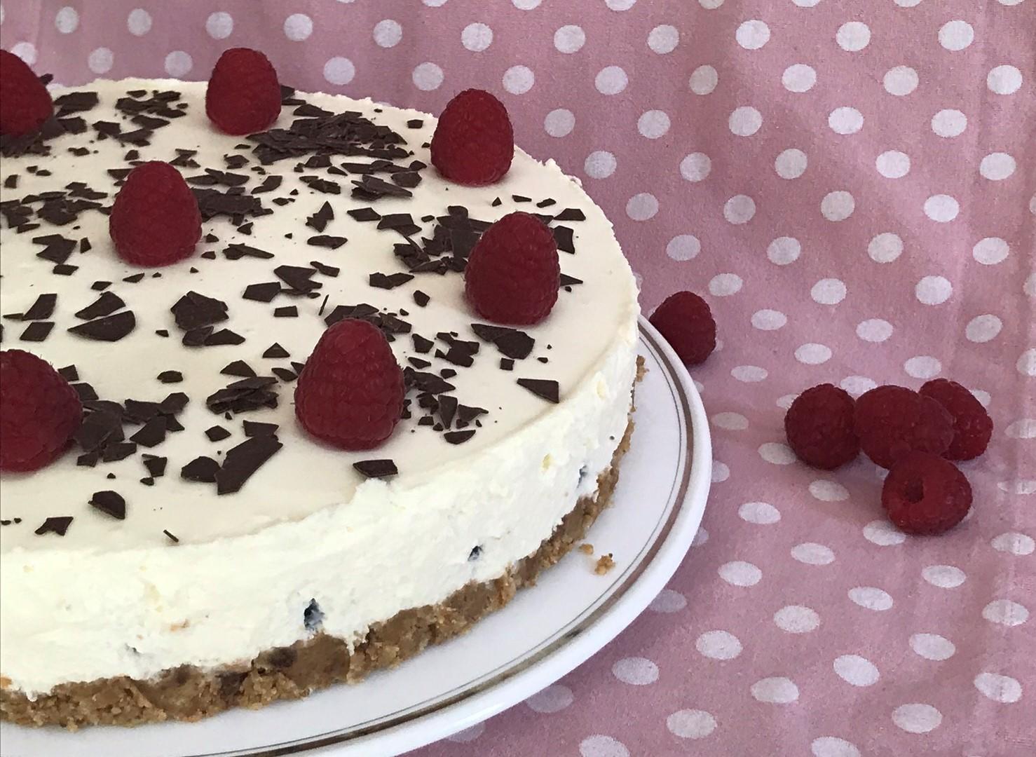 Panna Cotta Kuchen mit Himbeeren