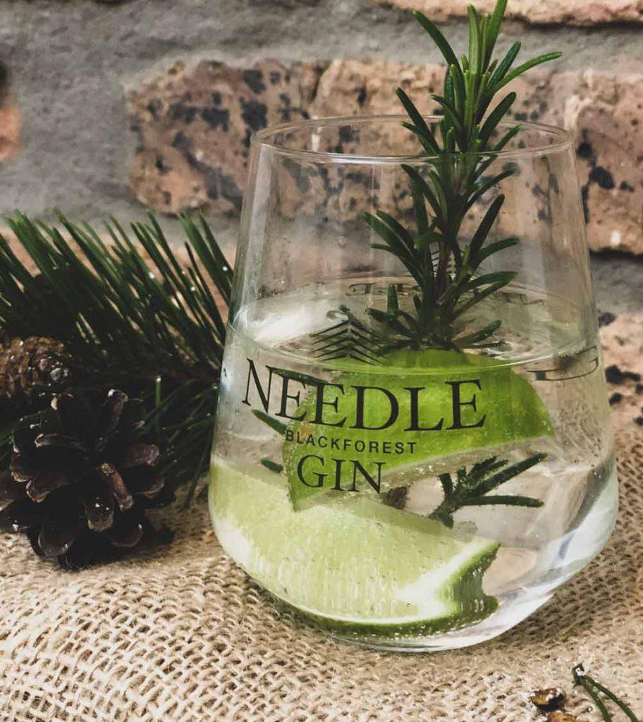 Needle-Blackforest-Gin04